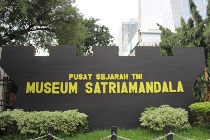 Berkunjung ke Museum SATRIAMANDALAJakarta